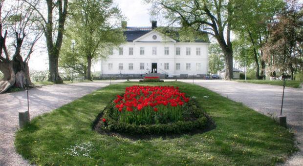 Yxtaholms Slott är ett av slotten där du kan bo för 800 kr
