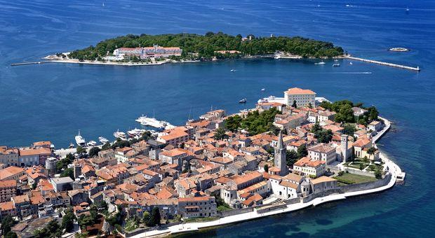 Åk på charter till nyheten Istrien.