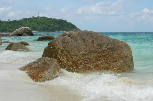 Stenar på Koh Lipe strand..tror jag