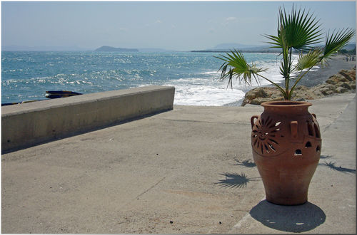 Strandpromenaden i Kolimbari.